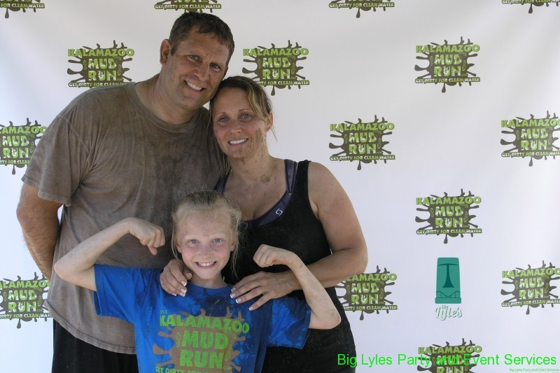 Family runners at 2014 Kalamazoo Mud Run Race