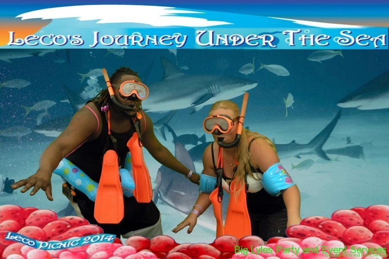 two in funny photos snorkeling