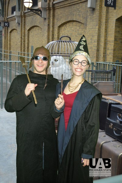 Michigan State Students visit Hogwarts University with Owels